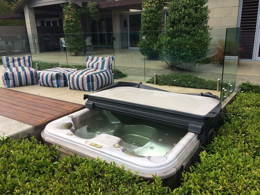 The cover guy spa pool covers auckland spa pool covers for Pool design auckland